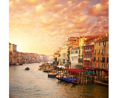 Фотообои Красивый вид на  канал в Венеции