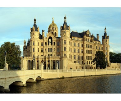 Фотообои Замок у реки