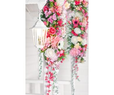 Фотообои Белый дом с цветами