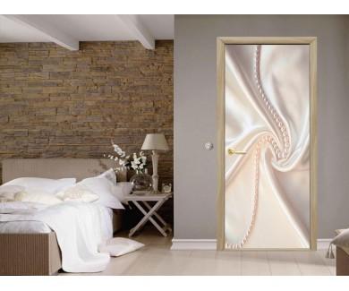 Наклейка на дверь Белый шелк и жемчюг