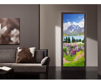 Наклейка на дверь Цветы и горы