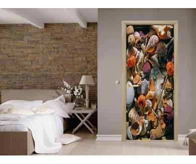 Наклейка на дверь натюрморт из камней, ракушек и др
