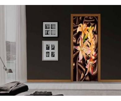 Наклейка на дверь Желтые цветы на шелке