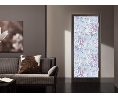 Наклейка на дверь Красивые цветы на голубом фоне
