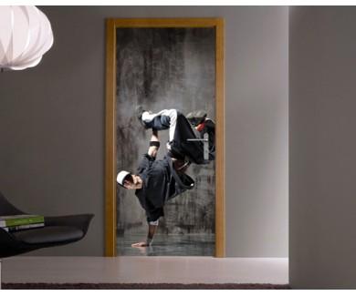 Наклейка на дверь Танцор 2