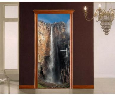 Наклейка на дверь Анхель, самый высокий в мире водопад