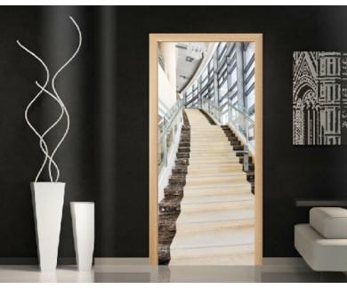 Наклейка на дверь Мраморная лестница в высоком здание