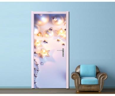 Наклейка на дверь Ёлочные игрушки на белом фоне