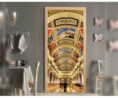 Наклейка на дверь Коридор с украшениями и роспись в отеле в Мака