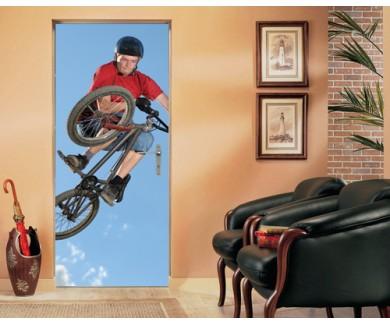 Наклейка на дверь Велосепедист в прыжке
