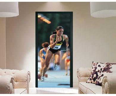 Наклейка на дверь Забег на 400 метров у женщин