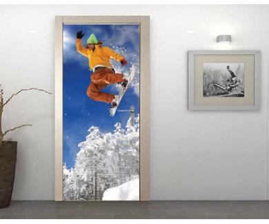 Наклейка на дверь Сноубордист, прыжок на фоне голубого неба