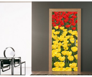 Наклейка на дверь Красные и желтые тюльпаны