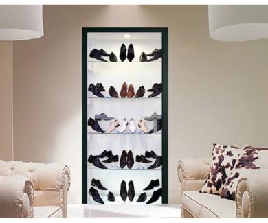 Наклейка на дверь Мужская обувь на стеклянных полках
