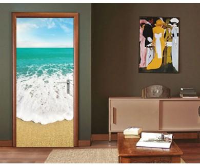 Наклейка на дверь Берег моря в летний солнечный день