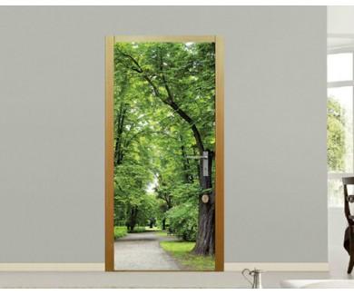 Наклейка на дверь Весенний парк