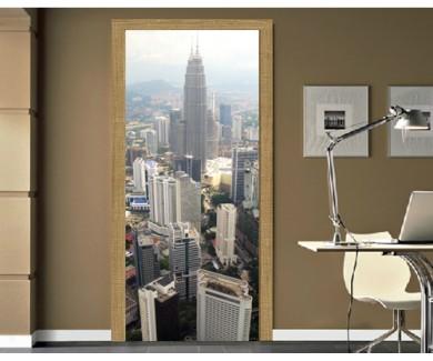Наклейка на дверь Вид на  Куала-Лумпур с высоты птичьего полета