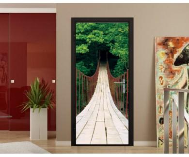 Наклейка на дверь Подвесной мост над ущельем в горах