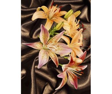Наклейка на пол Цветы, лежащие на шёлке